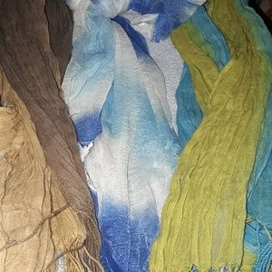 A bundle of boho scarves.😊
